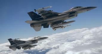 Российские бомбардировщики полетали над Черным морем: в НАТО подняли в небо истребители