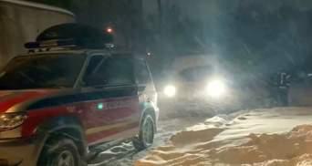 Негода не відступає: на яких дорогах України діють обмеження