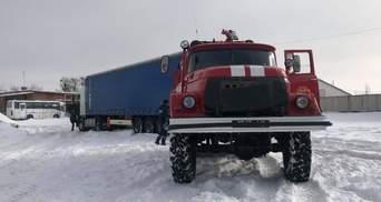 Украину замело снегом: какая ситуация в областях – фото, видео