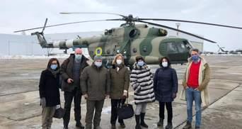 """""""Мир должен вернуться в Украину"""": что говорят послы, посетившие Донбасс с Зеленским"""
