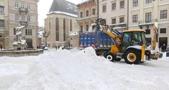 Снежный коллапс во Львове: коммунальщики будут усиленно работать даже в выходные