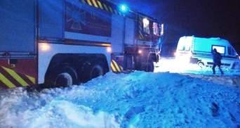 Непогода в Карпатах: спасатели объявили значительную снеголавинную опасность