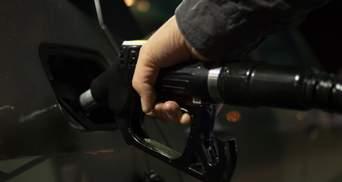 Ціна на нафту росте до рекордних показників: скільки коштує бензин