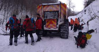 Сніг відрізав кілька населених пунктів на Прикарпатті