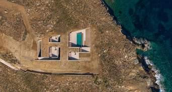 Дім-печера на березі Егейського моря: фото неймовірного житла на історичному острові циклопів