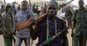 В Нигерии боевики напали на колледж и похитили десятки детей: есть погибшие