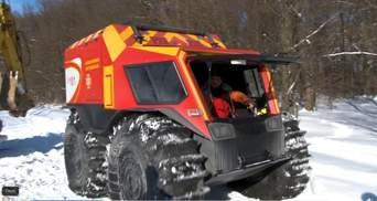 В родильный – на вездеходе: на Львовщине спасатели помогли роженице – видео