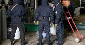 На Черкащині спіймали банду, яка виготовляла та збувала наркотики: відео