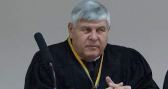"""Хотів """"відмазати"""" п'яного водія: судді, який пропонував хабар, дали 2 років в'язниці"""