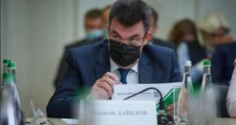 РНБО накладає санкції на 8 осіб і 5 літаків: перелік