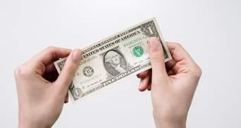 Понад 100 мільйонів доларів: українці активно скуповують іноземну валюту