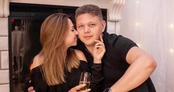 """Голова ДМС Максим Соколюк одружився з """"дівчиною з Уханю"""" Настею Зінченко: перші весільні фото"""