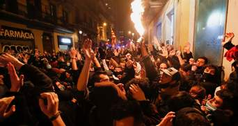 Мародерство и столкновения: в Барселоне не стихают протесты из-за заключения рэпера Аселя – фото