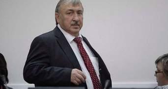 Привид з минулого: як суддя часів Януковича нахабно повертав свою посаду