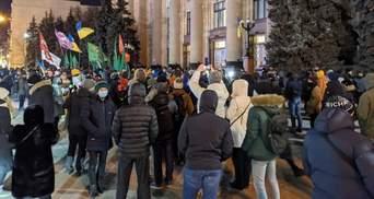 Протести через вирок Стерненку: у Житомирі правоохоронці жорстко затримують людей – відео