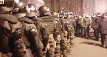 Силовики під Офісом Президента укріплюють власні сили