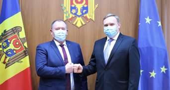 Украина пообещала Молдове не пропускать авто с номерами Приднестровья