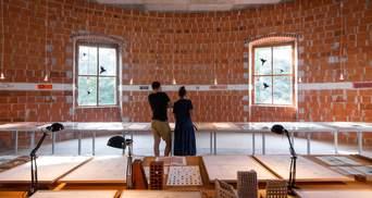 365 кімнат та двоповерховий двір: у Словенії реставрують занедбаний замок – цікаві фото