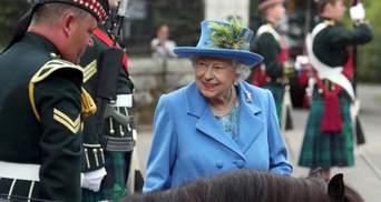 Елизавета II нашла патронов в организациях вместо Меган и Гарри, – СМИ