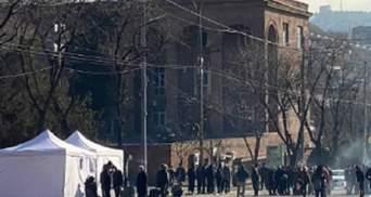Протести у Вірменії набирають обертів, США застерігають від насильства: фото, відео