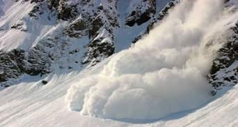 Рятувальники попереджають про можливе сходження лавин у Карпатах