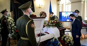 У Києві попрощались з першим главою МЗС України Анатолієм Зленком: фото
