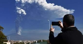 Стовп попелу на 12 кілометрів: в Італії знову сталося виверження вулкана Етна