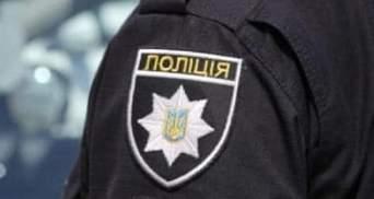 Вимагали 300 доларів у водійки: у Чернівцях засудили майора та сержанта поліції
