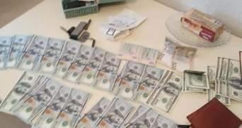 У Дрогобичі на хабарі затримали посадовця міськради: фото