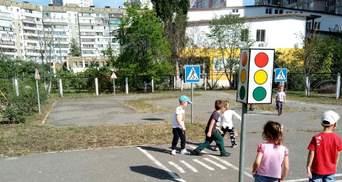 У Києві в садочку хлопчиків карають за те, що вони пісяють стоячи