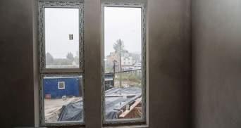 Пластикові вікна у квартирі від забудовника: чи потрібно їх міняти