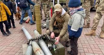 Как в Украине отмечают День добровольца: фото, видео