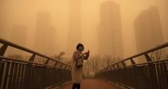Китай накрила найсильніша піщана буря за останні 10 років: фото, відео