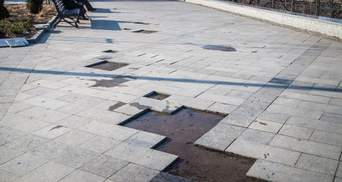 В Одессе отваливается плитка нового бульвара за 94 миллиона