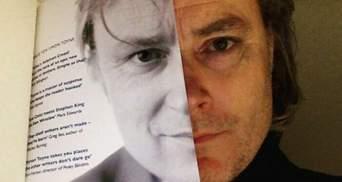Bookface: книжки замість облич у кумедному флешмобі в мережі  – 30 фото