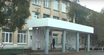 В школе на Николаевщине девушек и парней разделили на разные классы: что говорят родители