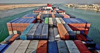 Через аварію судна в Суецькому каналі черга з кораблів розтягнулася до Індії: фото