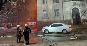 У Харкові загорівся будинок: бабцю з дідусем знімали з 5 поверху – відео