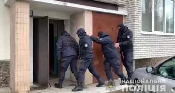 Поліція викрила злочинців на Одещині: вони скоїли розбійний напад на будинок підприємця-моряка