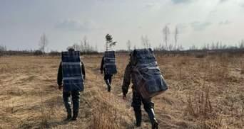З російськими ліками: прикордонники затримали трьох контрабандистів – фото, відео