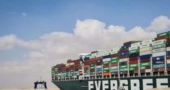 Контейнеровоз Ever Given нарешті почав рухатися: коли відновлять рух Суецьким каналом