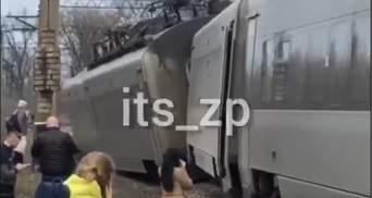 """Потяг """"Інтерсіті"""" під Запоріжжям зійшов з рейок: назвали попередню причину"""