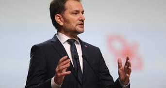 Из-за скандала с российской вакциной: премьер Словакии ушел в отставку