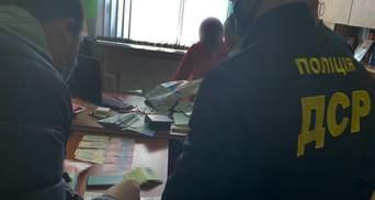 Вимагала гроші на іспитах: у Бердянську викрили корумпованого декана – фото