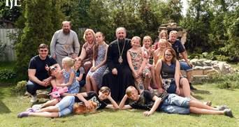 """Подружжя """"згоріло"""" від COVID-19: Церква взяла під опіку 13 дітей із дитбудинку Родікових"""