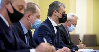 Стримування Росії: у Зеленського обговорили з представником НАТО загострення на Донбасі