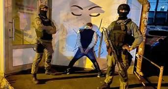 Постачали наркотики до СІЗО: у Києві викрили велике угрупування – фото