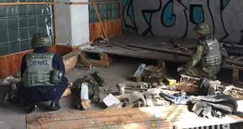 Масштабный схрон гранатометов, мин и патронов: в Мариуполе нашли оружие боевиков – фото