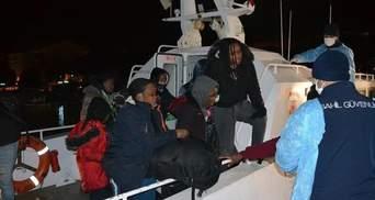 Діти та вагітна жінка: біля берегів Туреччини врятували понад 100 мігрантів