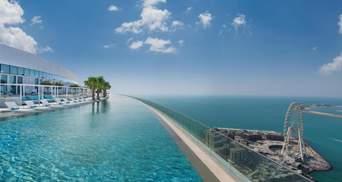 За самый высокий панорамный бассейн: отель в Дубае попал в Книгу рекордов Гиннеса